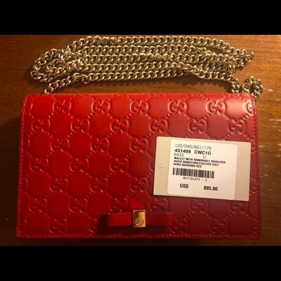 895c9c44e0a Red Gucci Signature Mini Bag w receipt - Like New